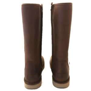 eb5be1ca84b UGG Abree II Leather Boot - NWOB